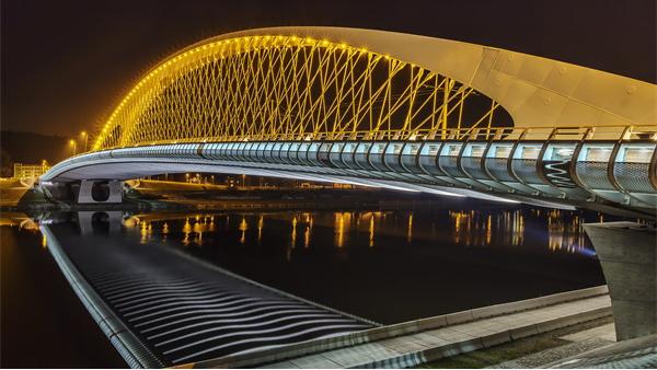 桥梁夜景灯光照明的作用及表现手法