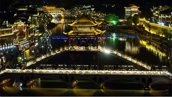 文旅夜游亮化如何才能得到游客的认可?