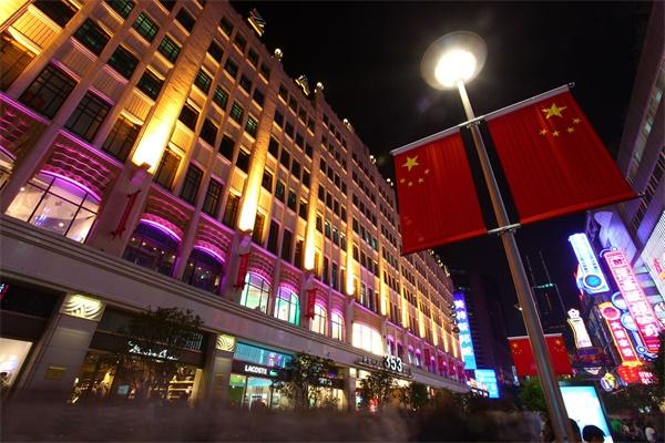 商业亮化照明打造更为舒适的购物环境