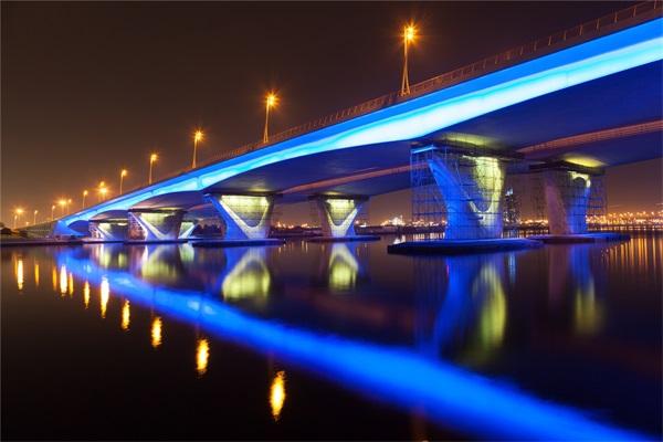 桥梁景观亮化设计