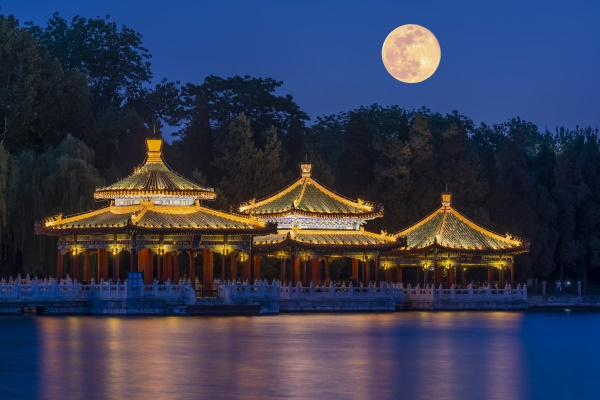 景观亮化照明工程展现夜晚不一样的魅力