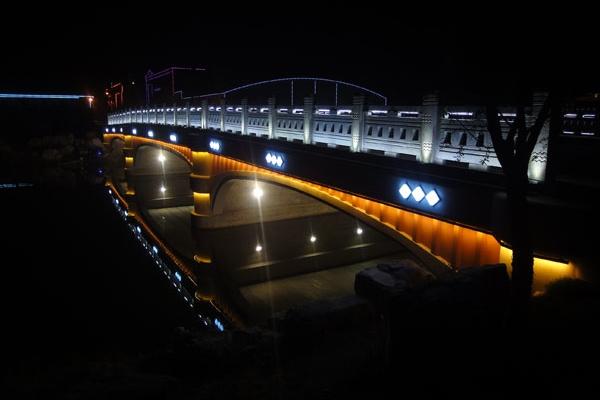桥梁景观亮化公司