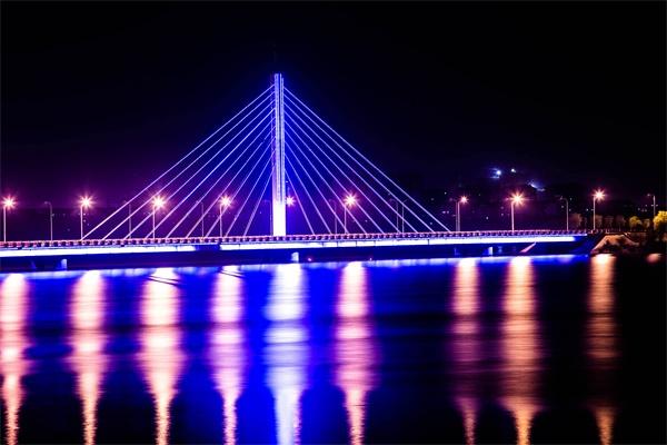 led亮化工程设计中要注意的两个要素
