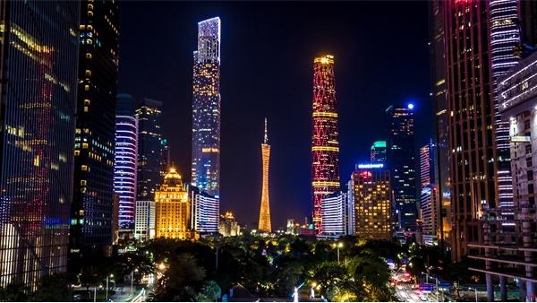 城市灯光亮化应采用多元化设计手法