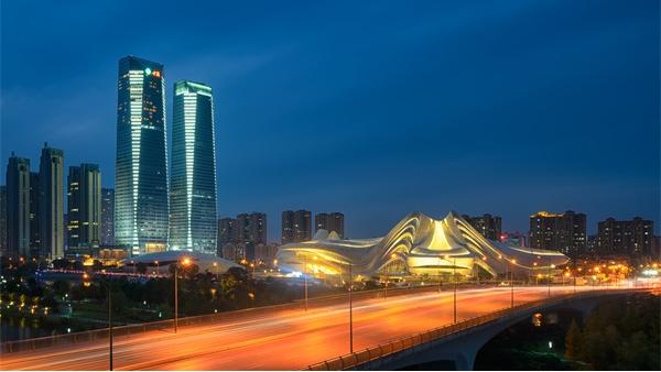 城市夜景照明工程不能因注重外表而忽略内在功能