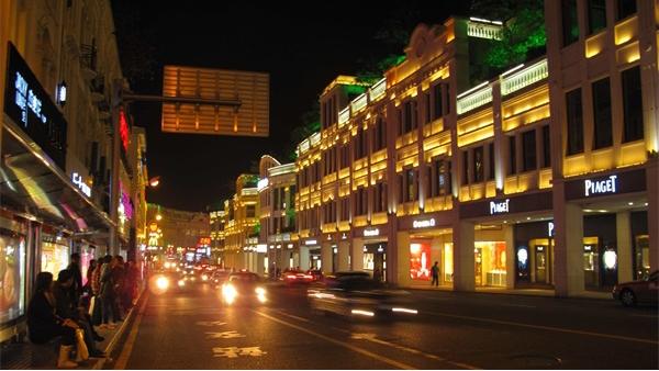 优秀的商业街灯光照明应该如何塑造?