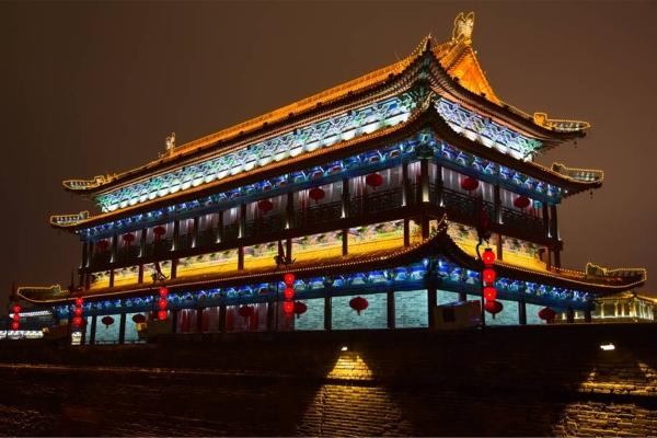 古建筑灯光亮化展现古建筑的艺术性