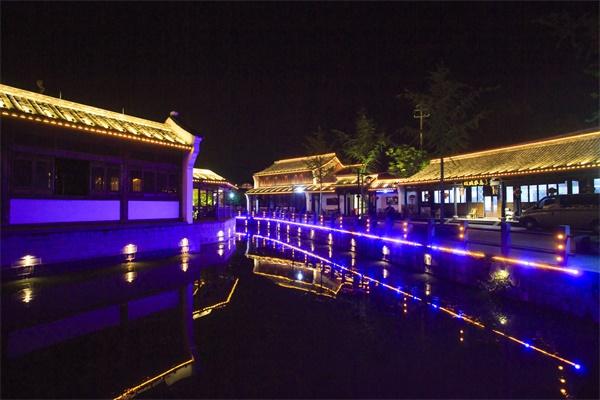 景观夜景亮化设计要综合考虑环境因素