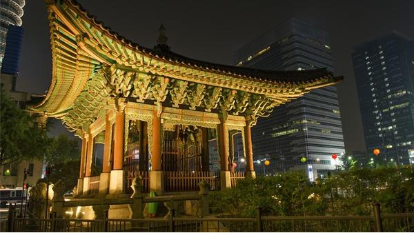 城市灯光照明设计拉动地区经济发展