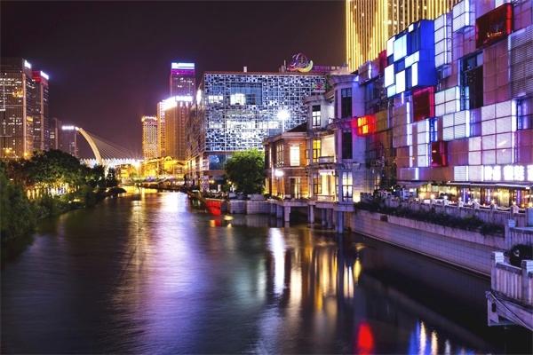 步行街亮化-提升城市的吸引力