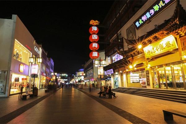商业街区亮化-用灯光塑造城市价值