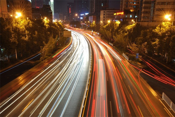 道路灯光亮化-点缀城市夜景环境