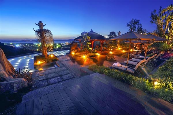 优秀的夜间庭院照明设计给人以美的享受