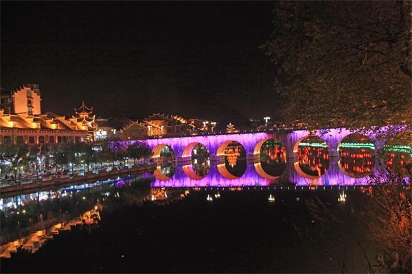 桥梁夜景灯光亮化