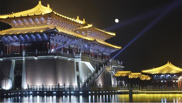 古建筑灯光设计打造引人注目的夜景效果