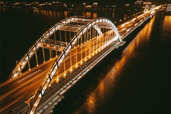 桥梁灯光亮化工程