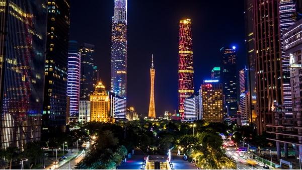 城市夜景亮化发展中遇到的问题