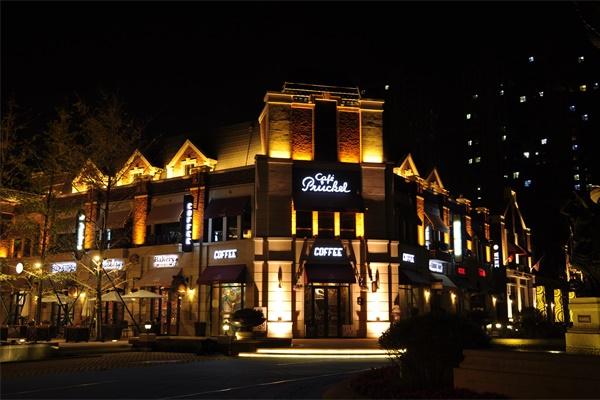 建筑夜景亮化工程是城市建设的重要工程之一