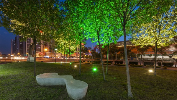 园林灯光亮化设计注重园林意境的再创造