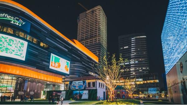 夜景亮化工程要满足人们对夜间出行的需求