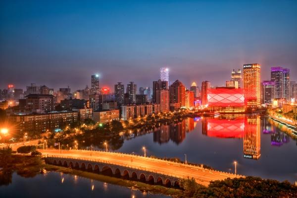 城市灯光亮化工程从而推动城市的发展