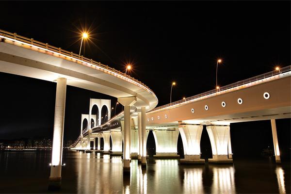 大桥灯光亮化