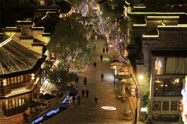 小镇夜景灯光设计