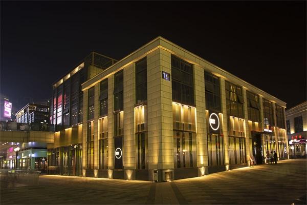 商业楼体夜景照明