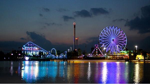 主题乐园照明工程创造不同的灯光氛围