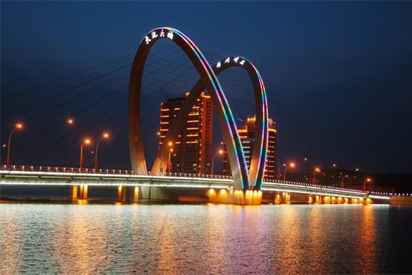 城市亮化工程设计要注意的两点事项