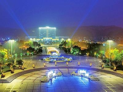 河南广场亮化-结合城市周围环境